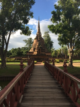Sightseeing at Sukhothai Heritage Park