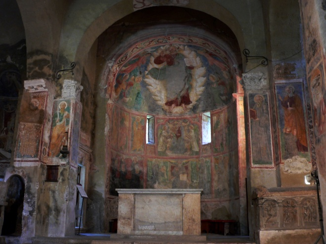 6-ferentillo_church-of-ss-pietro-e-paolo-interior